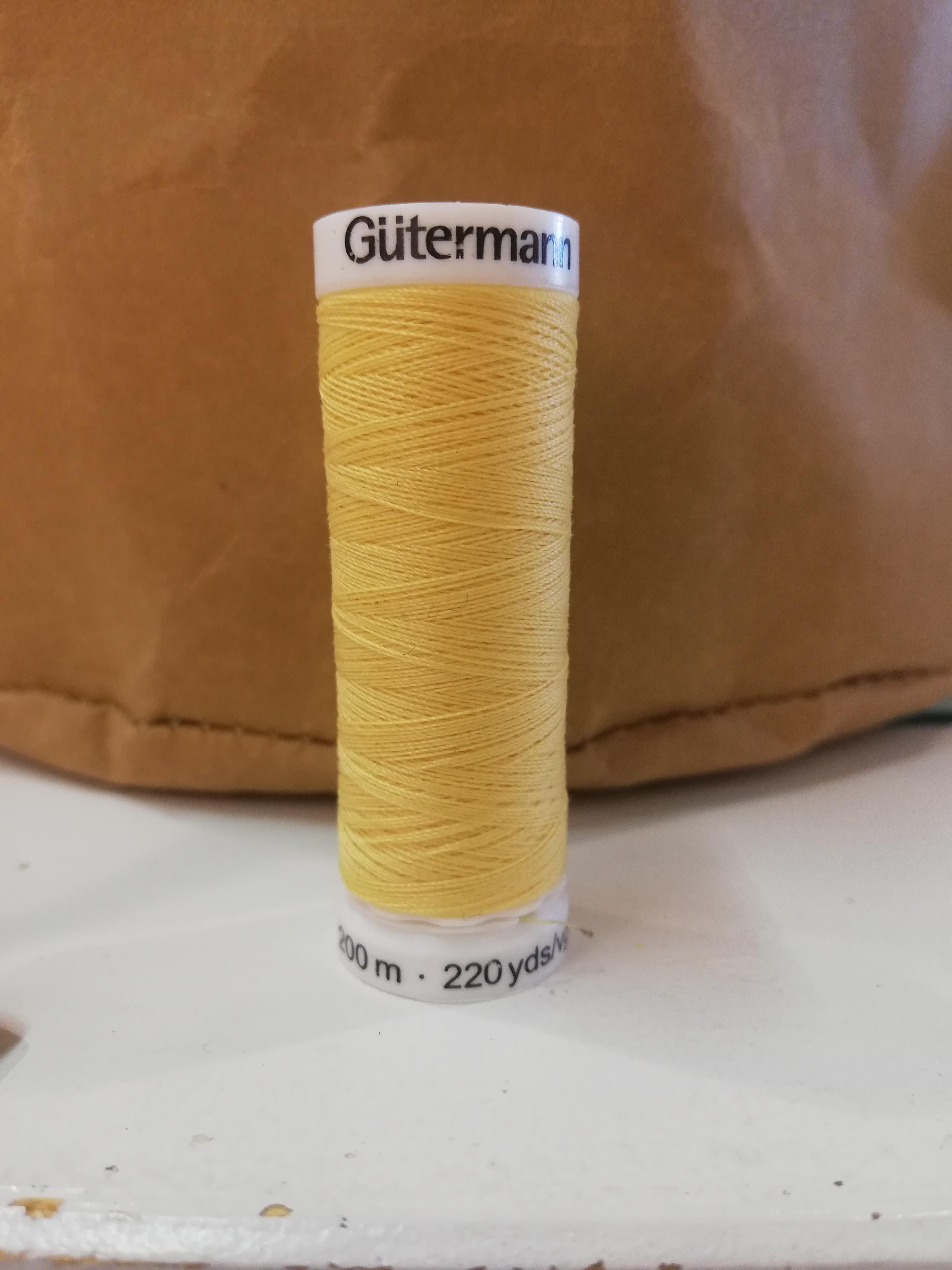 Gütermann 7 geel