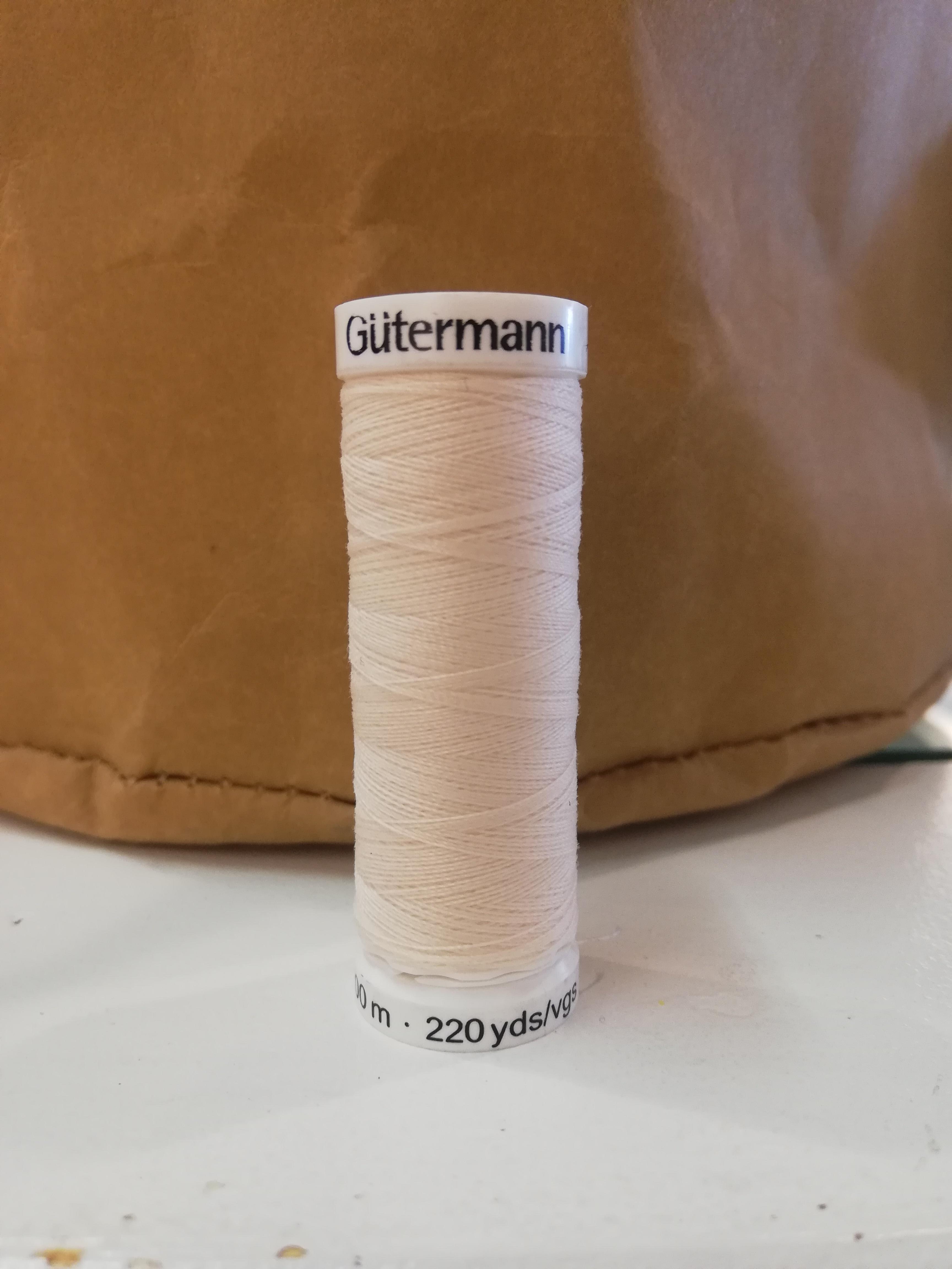 Gütermann 802 ecru