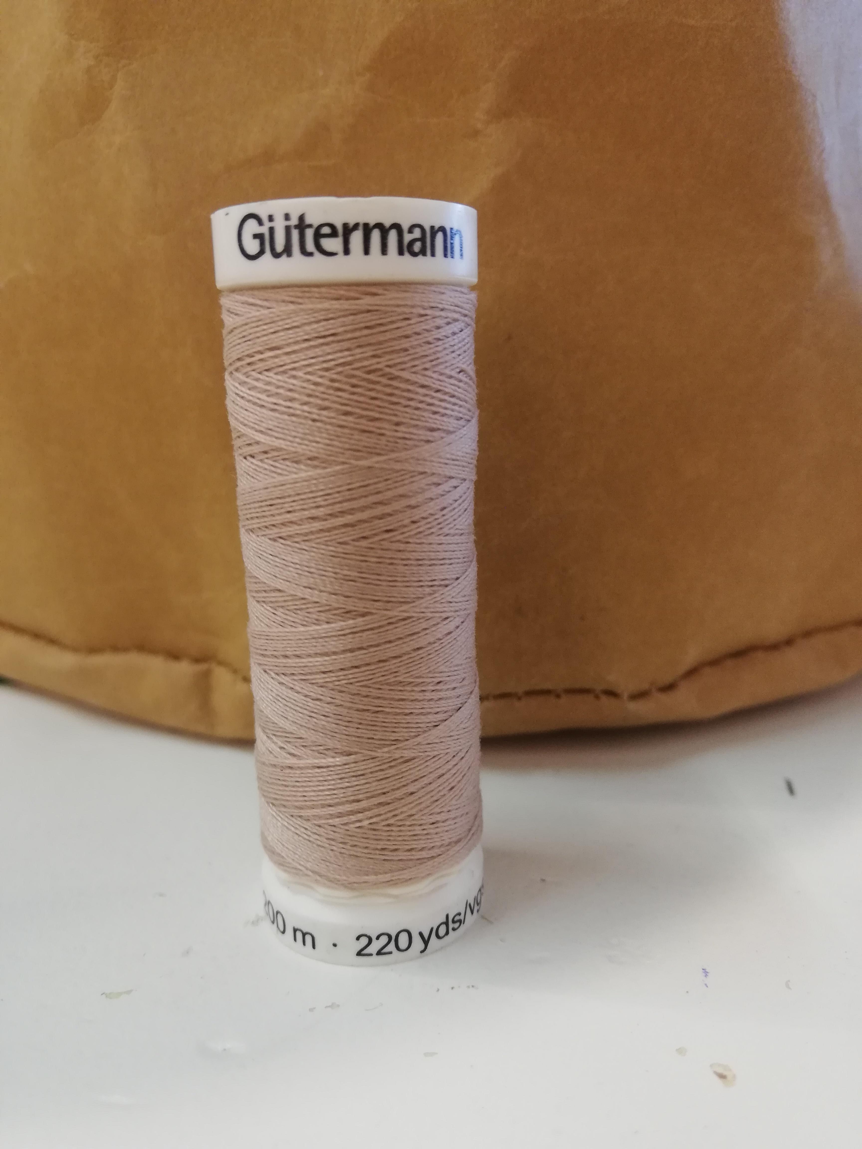 Gütermann 121 licht beige